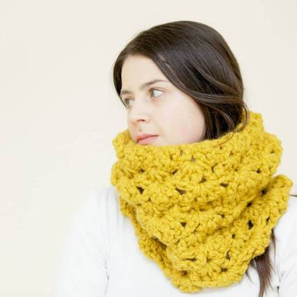 original_lacey-crochet-cowl